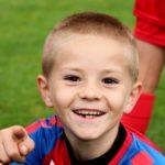 I bambini che praticano sport devono divertirsi senza pressioni da parte dei genitori.